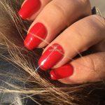 crveni nokti